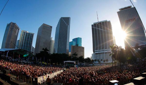 Festival de musique Ultra Music Festival en plein coeur de la ville